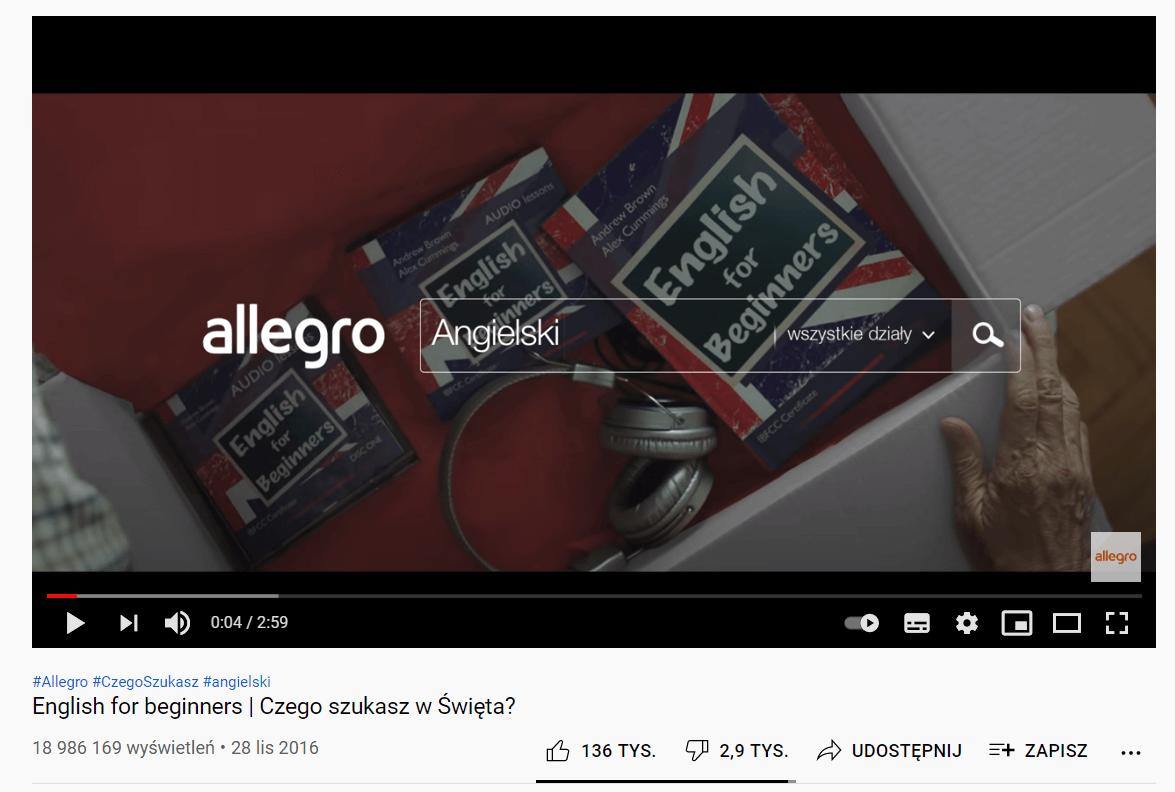 reklama Allegro - dziadek uczący się angielskiego